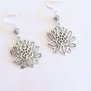 Jewelry - Silver lotus dangle earrings